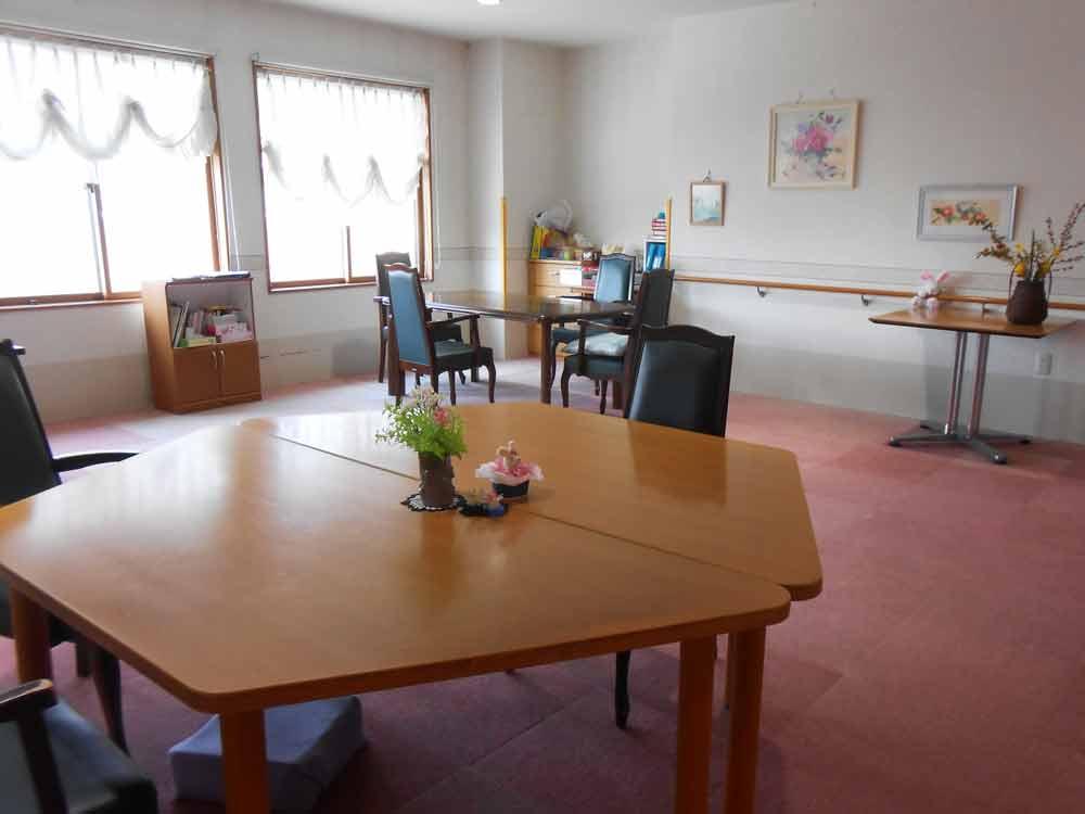 【暖家尾張部】長野市北尾張部にある有料老人ホームです。